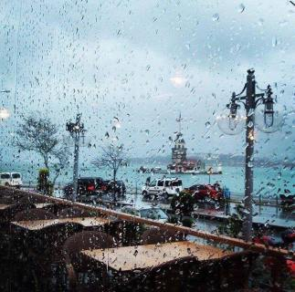 istanbul uskudar on a rainy day
